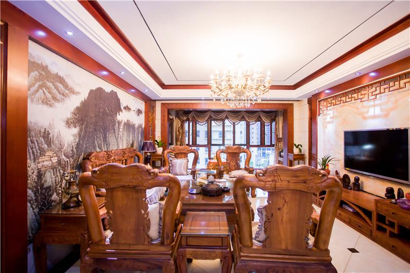 天麓尚层 中式风格 四居室 210平米